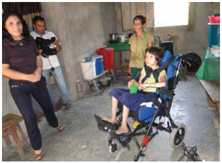 Nohemi, a Honduran girl, received her wheelchair from an Ottawa couple whose 11-year-old daughter died after a life-long illness.