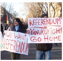 Protesters in Odessa in March 2014 protest political repression. (Photo: HOBOPOCC)