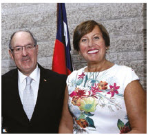 Chilean Ambassador Alejandro Marisio and his wife, Maria Cecilia Beretta, celebrated the 208th anniversary of independence of Chile at Ottawa City Hall. (Photo: Lois Siegel)