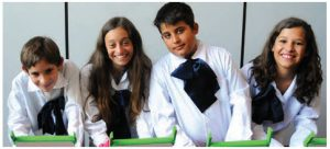These Uruguayan school children are the programmers of the future. Technology services are gaining ground in the trading relationship between Uruguay and Canada. (Photo: marcapaisuruguay.gub.uy)