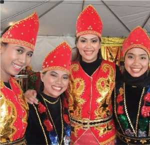 The embassy of Indonesia hosted an Indonesian festival. Dancers from left: Dyah Anggraini, Febry Sari, Ririn Astari and Chiccarina Kerukaspari from the Gebyar Nusantara. (Photo: Ulle Baum)