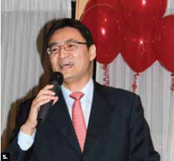 5. The Chinese embassy hosted a Chinese New Year event at the Mandarin Ogilvy restaurant in February. Minister-counsellor Liu Jin spoke. (Photo: Ulle Baum)