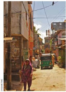 Many sectors of Colombo remain poor, but the streets and sidewalks bustle with traffic and pedestrians as small shops serve local commerce.