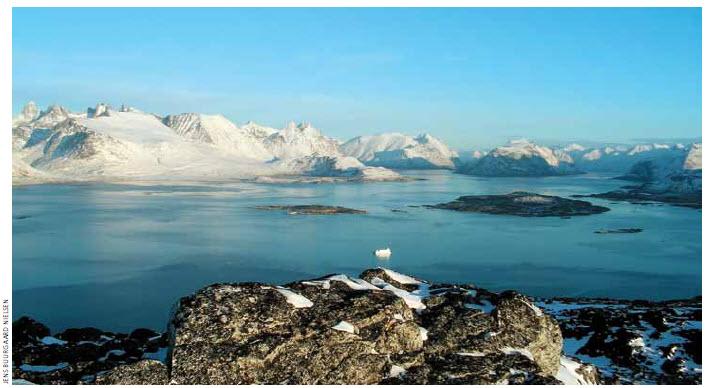 Scenery from Ravnefjeldet, Nanortalik (the southernmost part of Greenland).