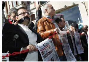 Journalists in Istanbul demand the release of arrested colleagues and better protection for press freedom in March 2011.