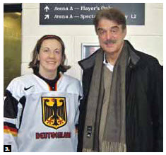 German hockey player Sara Seiler and German Ambassador Werner Wnendt met at an event prior to the beginning of the Women's World Championships in Ottawa. Seiler represented Germany in her second home, Canada. (Photo: Embassy of Germany)