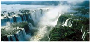 Iguazú Falls (one of the New Seven Wonders of Nature and also a Natural Heritage of Mankind) is made up of 275 waterfalls.