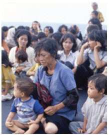 Boat people from Vietnam, who were rescued by the Italian Navy in the 1970s, became refugees in China.