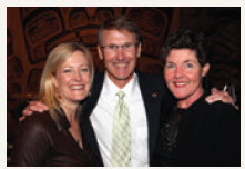 Bill Taylor, ASF President & CEO and ASF Dinner Committee, Velma McColl (left) and Fiona Gilfillan. (Photo: Caroline Phillips/ Ottawa Citizen. Reprinted by permission.)