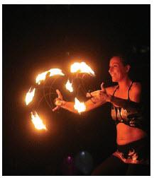Lumière Festival combines lantern light, live entertainment and a family atmosphere. (Photo: Lumière Festival)