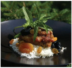 Chicken with Dried Fruit and Spice (Photo: Larry Dickenson)