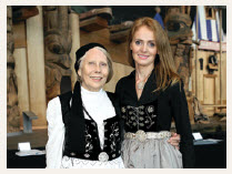 Gail Einarson-McCleery, honorary consul of Iceland in Toronto, left,  and Embassy of Iceland Attaché Ólöf Sigvaldadóttir, greet guests in traditional dress. (Photo: Lois Siegel)
