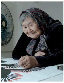 Koomoatoo Mathewsie plays her own sister, Kenojuak Ashevak, in an upcoming Heritage Minute on the famed artist.  (Photo: Courtesy Historica Canada)