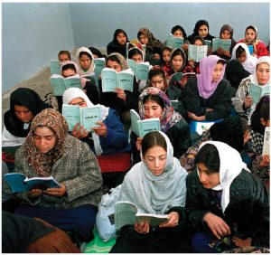 The number of illiterate youth declined from 170 million to 115 million between 1995 and 2015. (Photo: UN Photo)