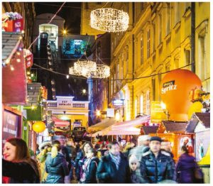 """Advent at Christmas in Zagreb was named the best Christmas market in Europe based on an online poll by the website """"European Best Destinations"""" for the third year in a row. (Photo: ROMULIC & STOJCIC, CROATIAN NATIONAL TOURIST BOARD)"""