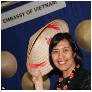 The Vietnamese Embassy was among 200 exhibitors from 50 countries taking part in the Ottawa Travel and Vacation Show at the Shaw Centre. With the diplomatic missions of ASEAN countries, it hosted a culinary show called ASEAN Happy Hour. Nguyen Huong Tra, Vietnamese counsellor and deputy head of mission, took part. (Photo: Ülle Baum)