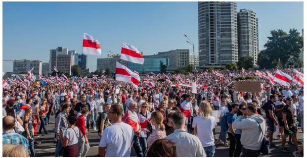 Belarusians call for the resignation of dictator Alexander Lukashenko following a disputed election involving massive voter fraud and manipulation by his government. Citizens are fed up, partly due to Lukashenko's poor handling of the COVID-19 crisis. (Photo: Homoatrox)