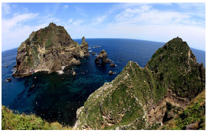 The Liancourt Rocks, known as Dokdo in Korean, are a group of small islets in the Sea of Japan. South Korea controls them, but Japan still claims sovereignty over them. (Photo:  Kim Ji Ho / Toshi Aoki – JP Spotters)