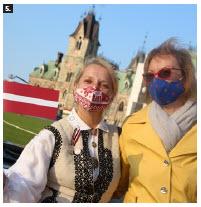 Inara Eihenbauma, wife of Latvian Ambassador Karlis Eihenbaums, and Inga  Skruzmane, counsellor at the Latvian Embassy, attended the event. (Photo: Ülle Baum)