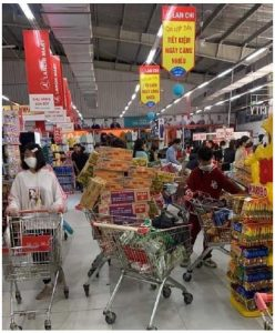 Instant noodles were a big item on the panic-buying list of Vietnamese residents. The country has fared extremely well during the  COVID-19 pandemic, with only 0.3 deaths per million people. (Photo: Mongrangvebet)