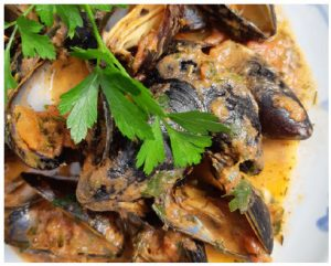 This mussel recipe is simple. Its thick sauce offers flavours far beyond the tasty mussels themselves. (Photo: Larry Dickenson)